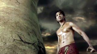 Allu Arjun Best Fight Scene..
