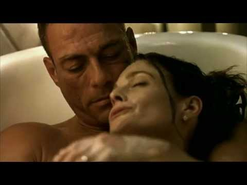 Gianluca Palisi doppia Jean Claude Van Damme in una scena del film Wake Of Death HD
