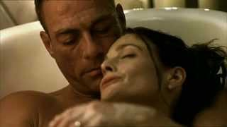 Gianluca Palisi doppia (Jean Claude Van Damme) in una scena del film Wake Of Death HD