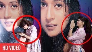 How Jacqueline Fernandez React When she saw Madhuri Dixit Photo at YRF Studio
