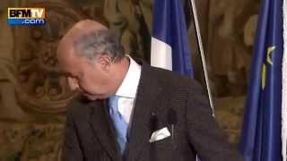 وزير الخارجية الفرنسي في حالة سكر أمام كاميرات التلفزيون