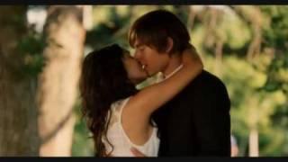 High School Musical 3 - Kissing Scene