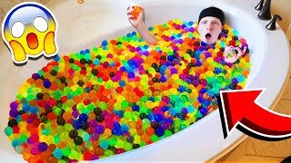 1,000 GIANT ORBEEZ VS MY BATHTUB!
