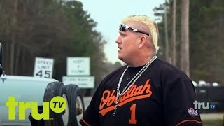 Lizard Lick Towing - Ronnie Defends His Wife's Honor