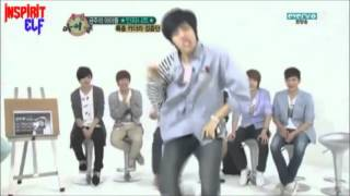 Dongwoo's dance right after wake up