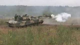 T-80 Russian main battle tank can hit moving targets and operate under water Video RIA Novosti.mp4