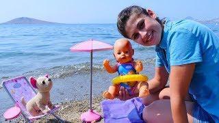 Ayşe, Gül ve Loli plaja gidiyorlar!