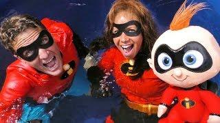 The Incredibles 2 Dunk Tank Toy Challenge Elastigirl Vs. Mr Incredible !     Toy Review    Konas2002
