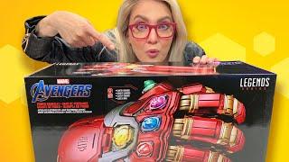 Avengers: Endgame Power Gauntlet Unboxing