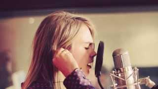 Cara Delevingne - Will Heard 'Sonnentanz' (Sun Don't Shine) Acoustic Session