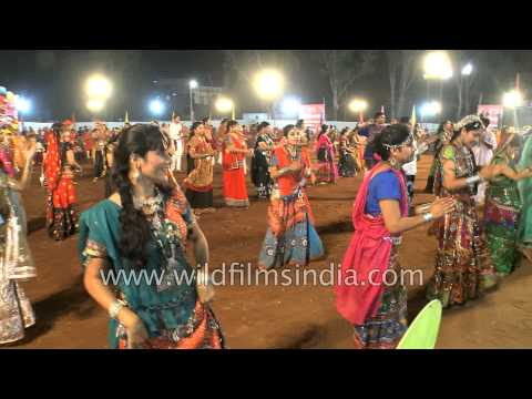 Xxx Mp4 Young Gujarati Girls Perspire As They Dance Garba Navratri Celebrations In India 3gp Sex