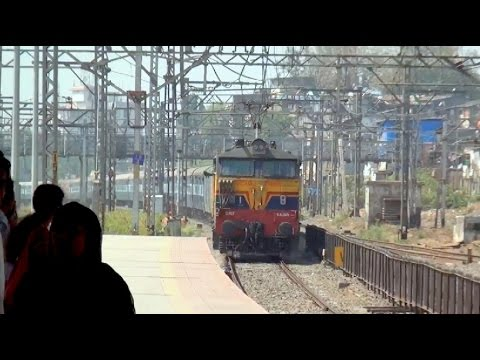12 Express Trains In Full Aggression in 1 Video at Kurla, Mumbai !!!