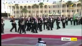 الآباء يقلدون أبناؤهم الرتب العسكرية في حفل تخرج كلية جامعة الملك خالد العسكرية - أخبار المملكة