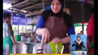 Gadis cun Itali penebar roti canai di Alor Setar Kedah (Viral Video Malaysia 2015)
