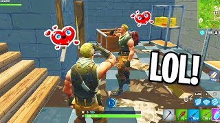 MAKING FRIENDS IN FORTNITE SOLOS! (HE TEAMED UP WITH ME...*EMOTIONAL*)