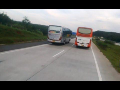 Part 2-duel sengit Kr Jati disalip cepat bus ALFARRUQ_Cipali