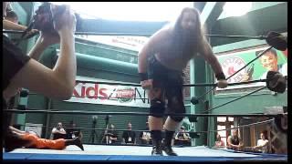 Todo Loco vs Warbeard Hanson at Fenway park 6/26/16