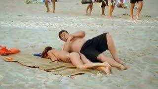 Девушка УСНУЛА НА НЕЗНАКОМЦЕ - смешной ПРИКОЛ на пляже