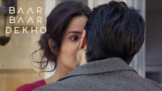 Katrina Kaif And Sidharth Malhotra Hot Kiss In Baar Baar Dekho !!