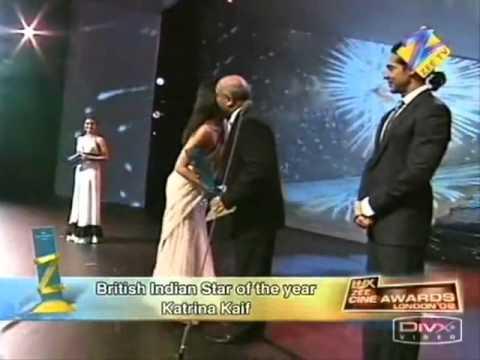 Katrina Kaif Hot Navel Show In Saree
