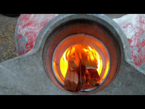 Rocket stove pt 4 Firing it up