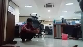 Teko ajaib di kantor