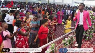 """Aniset Butati alivyomwimbia Jehovah Mlima wa Moto Mikocheni """"B"""" Jumapili 02 04 2017"""