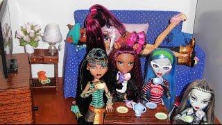 Casa Das Monster High - Sala Das Bonecas (dolls' Living Room - Dollhouse)