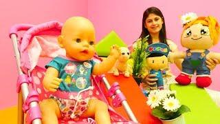#Bebekbakmaoyunu. Ayşe, #bebek Gül, Loli, Lili ve Pepee parka gidiyorlar 🌴. #Kızoyuncakları