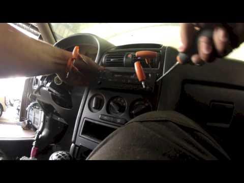 Opel Astra type G Démonter le poste radio