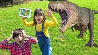 スパイごっこ 小学館の図鑑NEO Pad 逃げた動物、恐竜、昆虫、魚を捕獲せよ! おゆうぎ こうくんねみちゃん