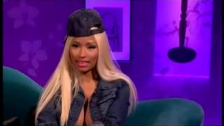 Nicki Minaj show her boobs on TV Live