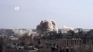 البراميل المتفجرة وصواريخ الطائرات الحربية تنهمر على منازل درعا البلد - الإثنين 22-5-2017