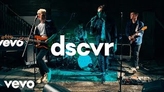 VITAMIN - This Isn't Love - Vevo dscvr (Live)