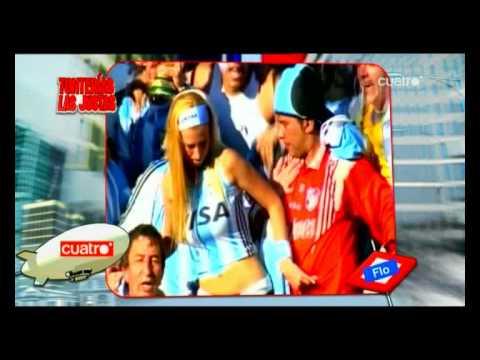 Abuelo metiendo mano a aficionada argentina en Sudafrica 2010