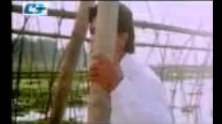 YouTube - Bangla Movie Song Sakib Khan And Hot Actress Apu Biswas..flv