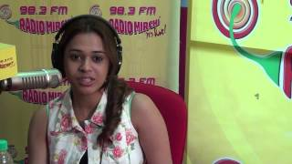 Catch Shalmali Kholgade UNPLUGGED for the FIRST TIME at the Radio Mirchi Studio