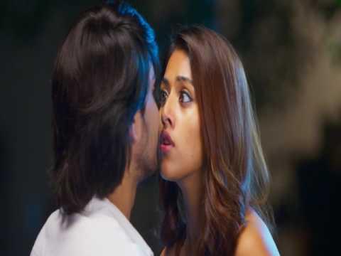 Anu Emmanuel Hot Lip Lock Kiss || Kittu Unnadu Jagratha || Raj Tarun