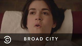 Abbi Gets Waxed | Broad City