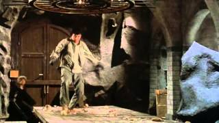 Armadura de Deus - (1986) - Jackie Chan Trailer