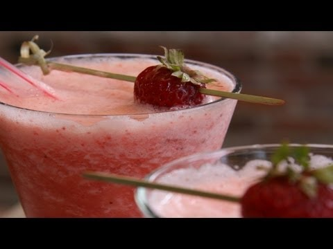 Blended Strawberry Daiquiri Kathy Casey s Liquid Kitchen Small Screen