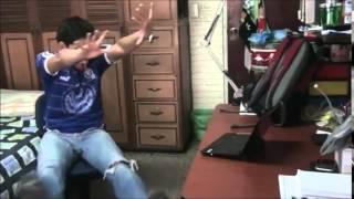 fernanfloo se cae de la silla
