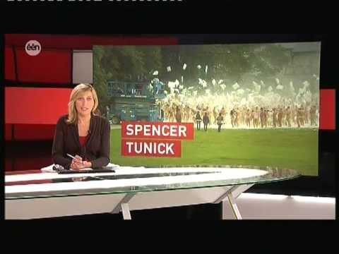 Spencer Tunick Kasteel van Gaasbeek een 2011 07 10