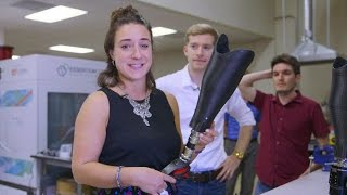 BBC reporter and amputee tries out 3D printed legs - BBC Click