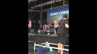 The Sunny Cowgirls at CMC 2016 - Dancing on the Darling
