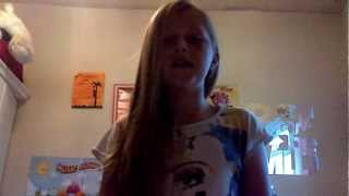 My first video xx me singing!!