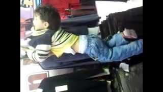 تعذيب طفل على يد عمه