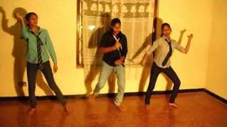 Sri lankan girls performance in hindi song.flv