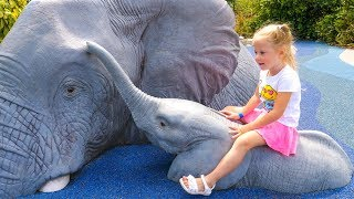 Сборник видео для детей Путешествия в зоопарки