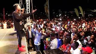 Strongman 'Tears' Stage Apart At YFM Area Codes Jam, Kumasi - NYDJ Live